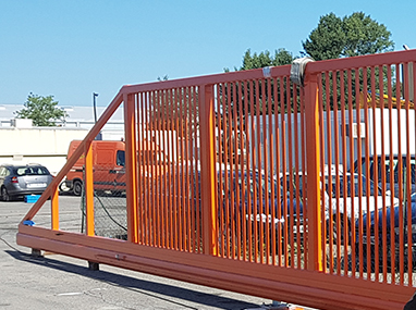 Extra-wide sliding gate