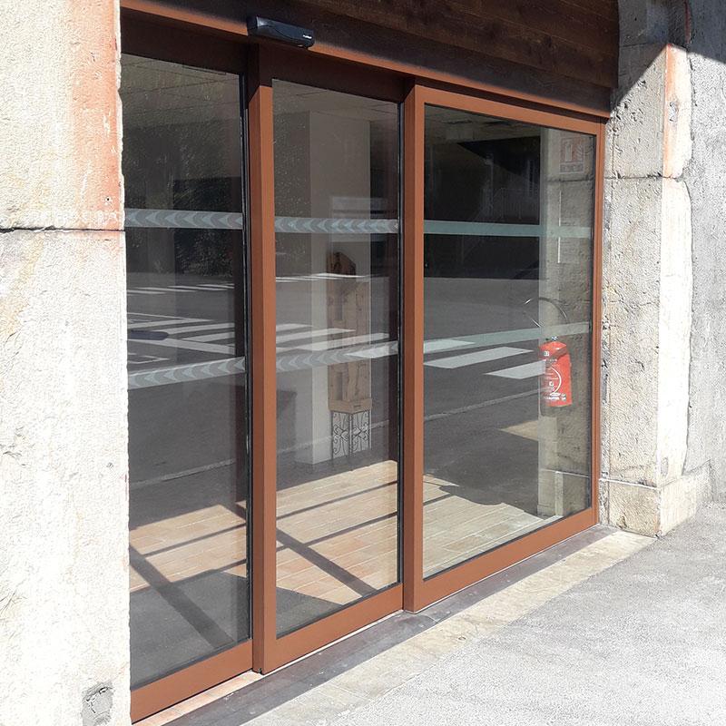 telescopic-doors-french-alps-en