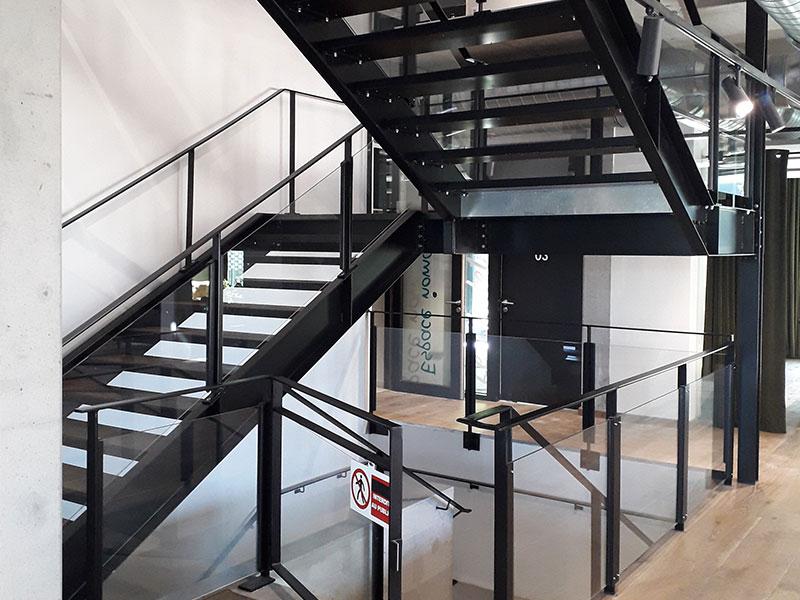Escaliers et garde-corps métalliques, conçus, fabriqués et installés par Delebecque