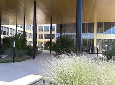 Murs rideaux et menuiseries aluminium pour les bureaux d'ARTEPARC