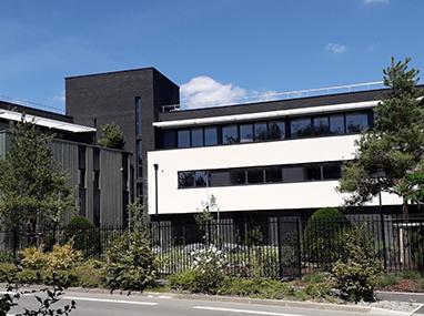 Brises soleil et coulissants aluminium pour un immeuble de bureaux à Wasquehal