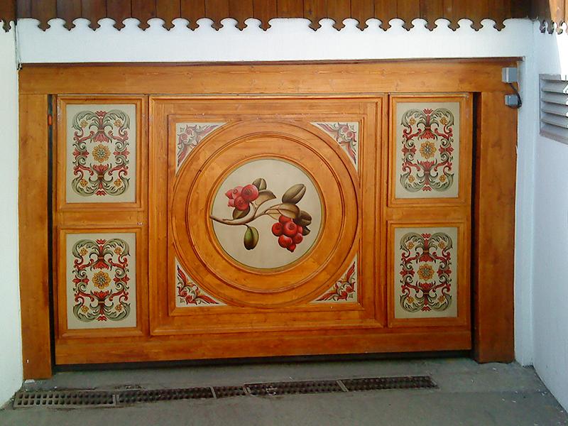 Porte de garage décorative en bois